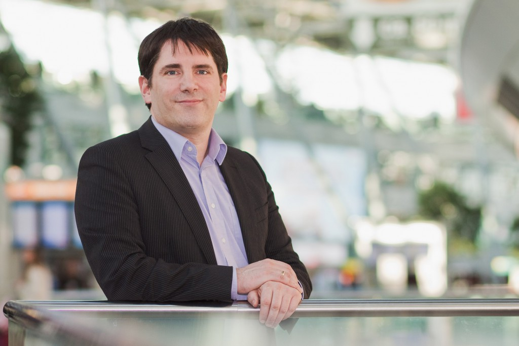 Chris Pyak recruits and retains international talent for companies in Germany