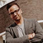 "Malik Riaz Hai Naveed supports the ""Immigrant Spirit"""